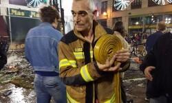 homenaje a los bomberos de Valencia en Fallas 20170319_224057 (57)