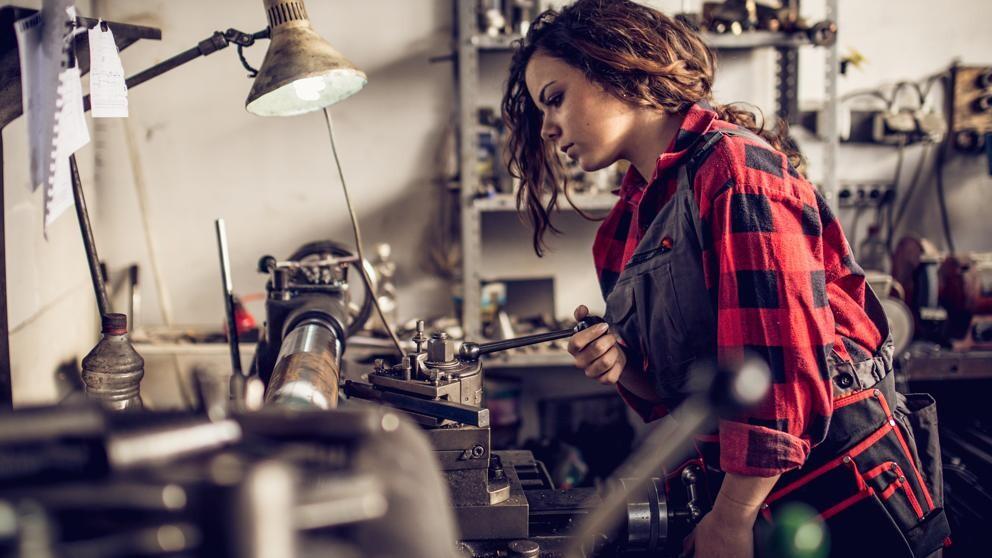 Los sindicatos alertan dde la existencia de puestos de trabajo muy masculinizados, y a la inversa (iStock)