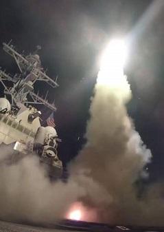 Buques de la armada de EE.UU. lanzan misiles en sus ataque a Siria. (Imagen de archivo).
