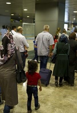 El grupo procedente de Turquía (vía reasentamiento) está integrado por 4 personas y el procedente de Grecia (vía reubicación) por 9.