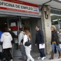 El número de parados subió en 17.200 en el primer trimestre y la tasa de desempleo aumentó hasta al 18,75 por ciento.