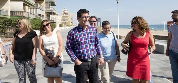 El presidente Jorge Rodríguez y la diputada Isabel García durante la visita a las obras del IFS en Sueca.