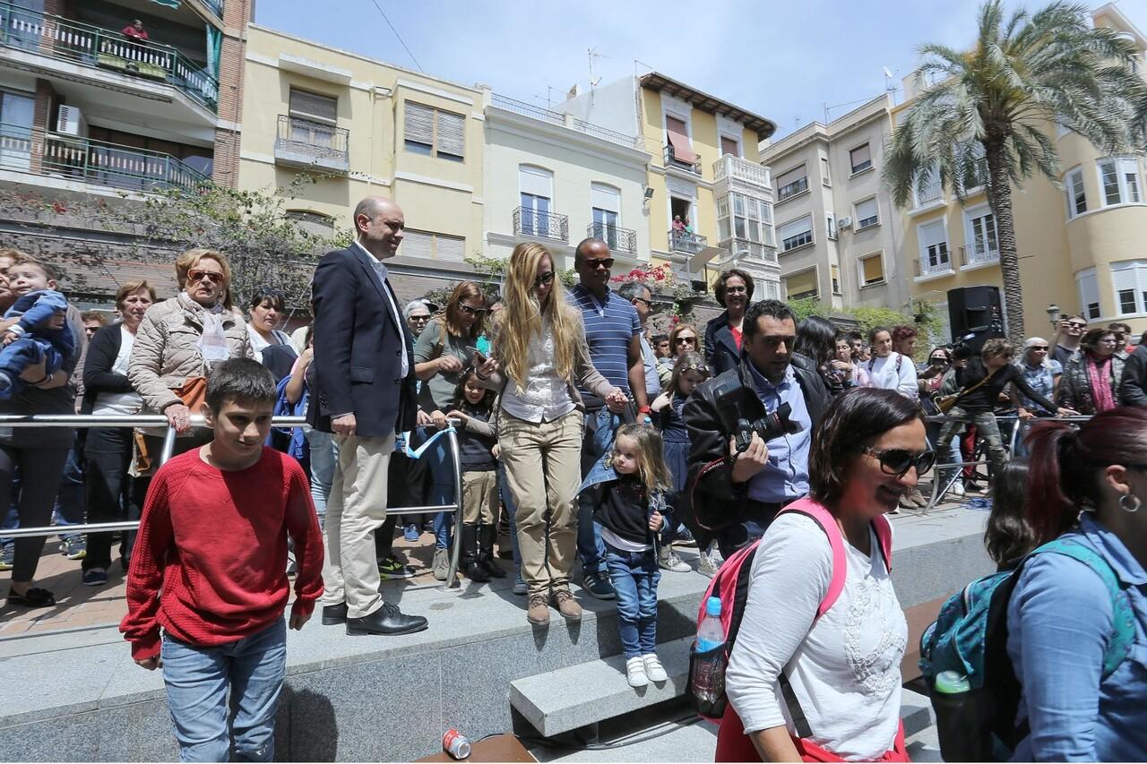 Gabriel Echávarri y Gloria Vara, han sido los encargados de inaugurar el acuario de plaza nueva en Alicante (2)