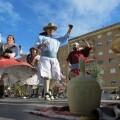 """La II Trobada de Folclore relanza las danzas y rondallas, los grupos de tabal y dolçaina, corales, y orquestas de """"pols i pua""""."""