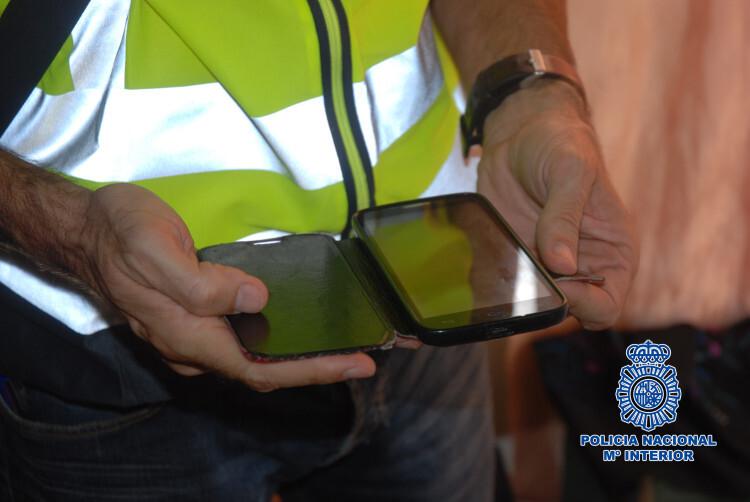 La-Policía-Nacional-detiene-a-un-hombre-que-extorsionaba-con-fines-sexuales-a-jóvenes-en-Internet-1