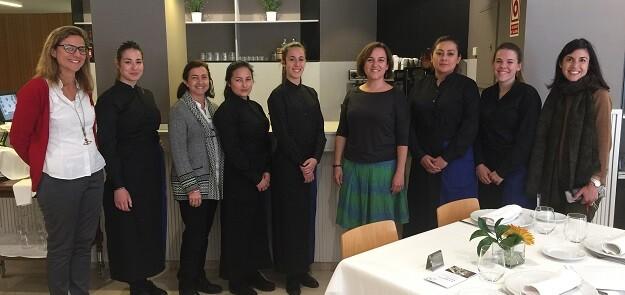La concejala Isabel Lozano se ha interesado por el desarrollo del curso y ha visitado las instalaciones de Altaviana.