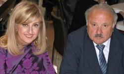 La diseñadora Mª Rosa Fenollar junto a su esposo