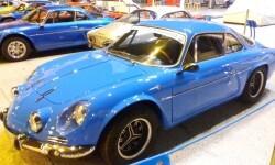 La estación de València Nord de Adif acoge una exhibición de automóviles 'Alpine A110' (6)