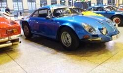 La estación de València Nord de Adif acoge una exhibición de automóviles 'Alpine A110' (9)