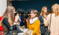 Las valencianas dan la bienvenida a BA&SH, la firma de moda que arrasa en París y que se instala en Sorní VALENCIA (15)