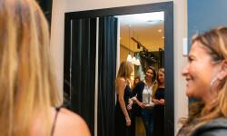 Las valencianas dan la bienvenida a BA&SH, la firma de moda que arrasa en París y que se instala en Sorní VALENCIA (45)