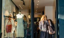Las valencianas dan la bienvenida a BA&SH, la firma de moda que arrasa en París y que se instala en Sorní VALENCIA (5)