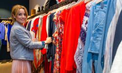 Las valencianas dan la bienvenida a BA&SH, la firma de moda que arrasa en París y que se instala en Sorní VALENCIA (53)