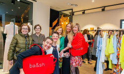 Las valencianas dan la bienvenida a BA&SH, la firma de moda que arrasa en París y que se instala en Sorní VALENCIA (59)