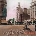 Los palomas de la plaza de Emilio Castelar. Una imagen de los años 30.