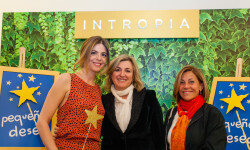 Manuela Velasco con la directora deDesarrolla, Eva Velasco