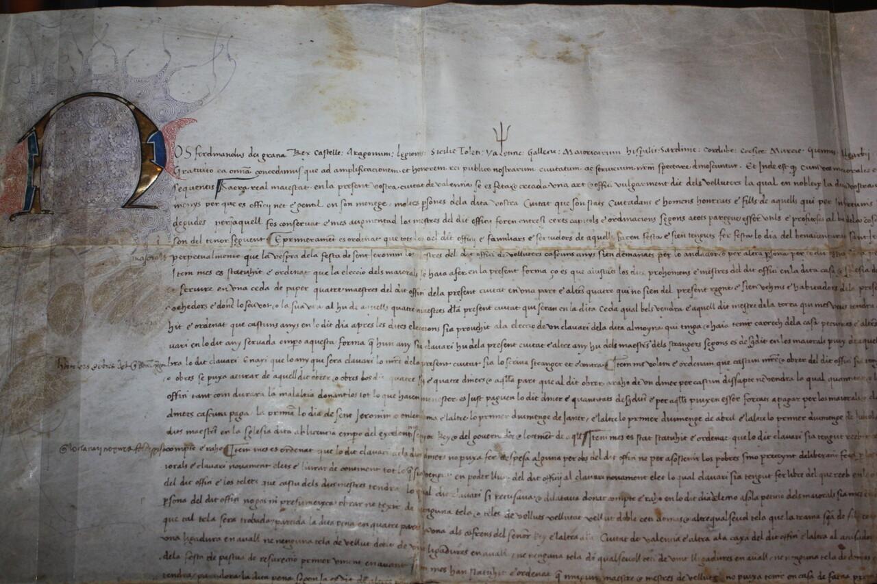 Museo de la Seda expone el Privilegio de Fernando II, de 1479, que elevó el oficio de Velluters a Arte (2)