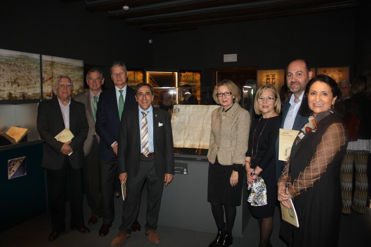 Museo de la Seda expone el Privilegio de Fernando II, de 1479, que elevó el oficio de Velluters a Arte (3)