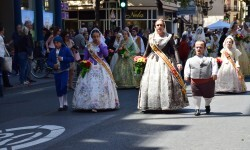 Ofrenda a Sant Vicent Ferrer, de los altares vicentinos al Patrón de la Comunitat Valenciana en Valencia (112)