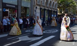 Ofrenda a Sant Vicent Ferrer, de los altares vicentinos al Patrón de la Comunitat Valenciana en Valencia (117)