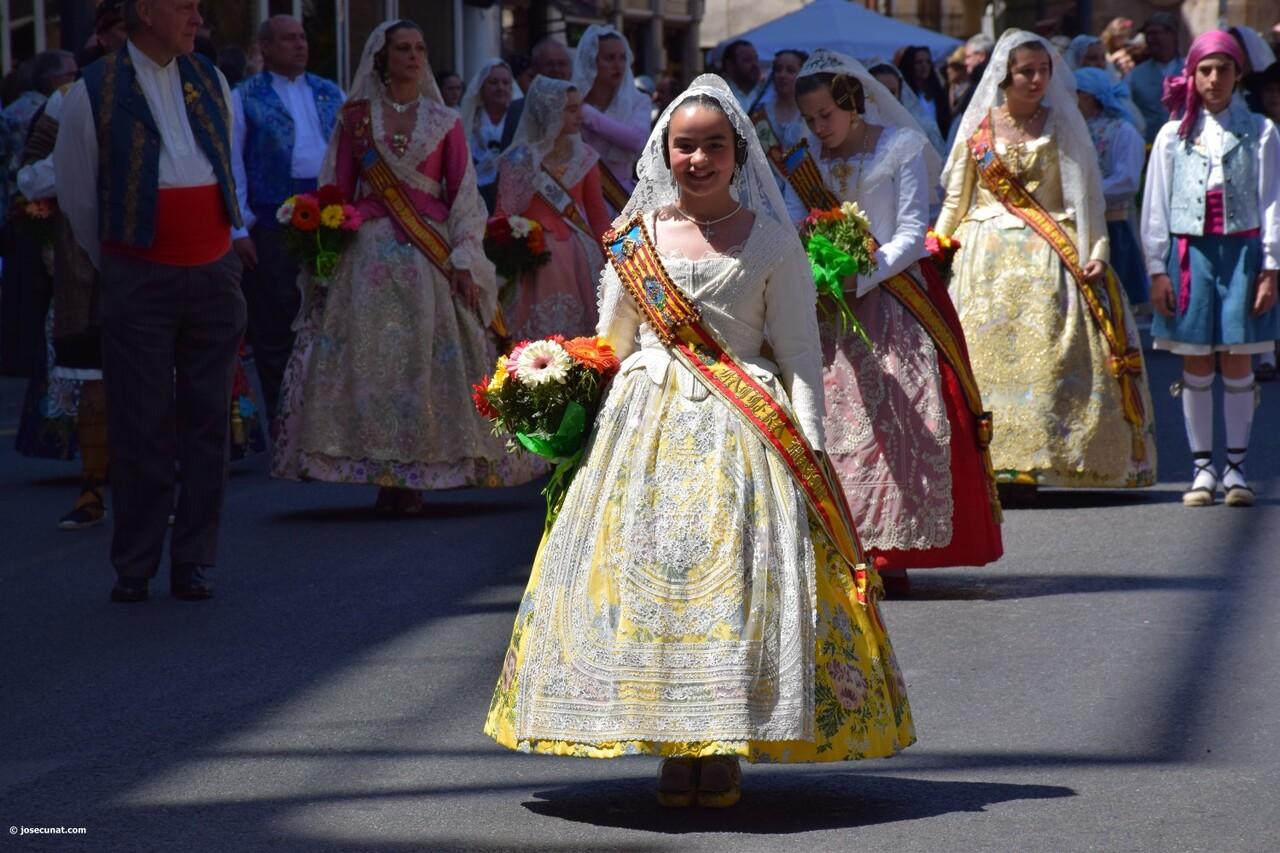 Ofrenda a Sant Vicent Ferrer, de los altares vicentinos al Patrón de la Comunitat Valenciana en Valencia (119)