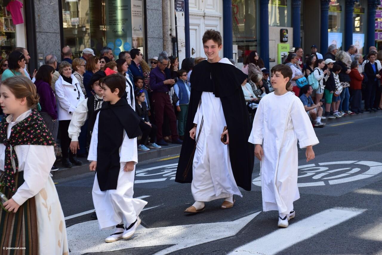 Ofrenda a Sant Vicent Ferrer, de los altares vicentinos al Patrón de la Comunitat Valenciana en Valencia (49)