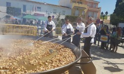Paella gigante en la I Mostra de Municipis del Camp de Túria a Sant Antoni de Benagéber (1)
