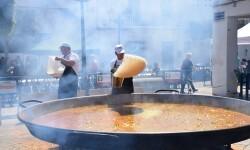 Paella gigante en la I Mostra de Municipis del Camp de Túria a Sant Antoni de Benagéber (35)