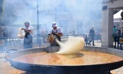 Paella gigante en la I Mostra de Municipis del Camp de Túria a Sant Antoni de Benagéber (36)