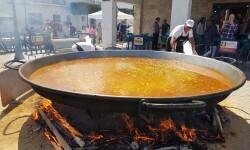 Paella gigante en la I Mostra de Municipis del Camp de Túria a Sant Antoni de Benagéber (6)
