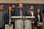 Unidos Podemos propone una moción de censura contra Rajoy pero PSOE y Ciudadanos no aceptan.
