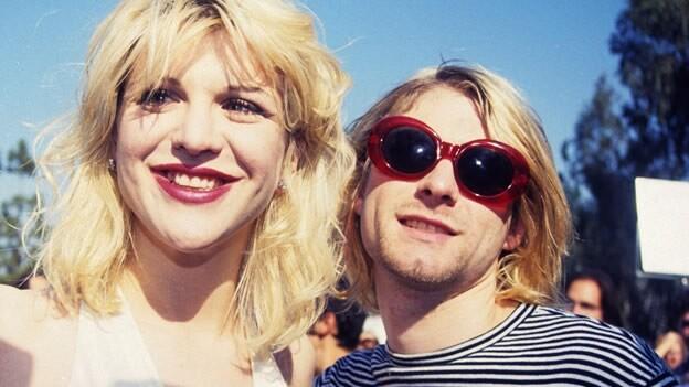 courtney-love-kurt-cobain-mtv-vma-1993