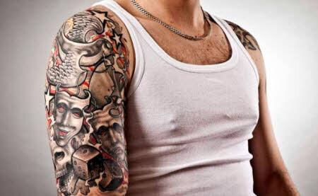 tatuajes-para-hombres-brazo-ambiguo