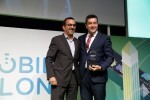Javier Piris recogiendo el premio Be Connect