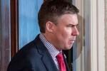 Dimite Mike Dubke, director de comunicaciones de la Casa Blanca a los tres meses de asumir su cargo.