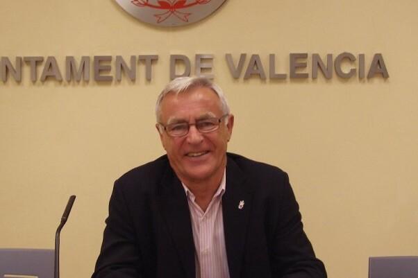 Joan Ribó i els portaveus Gómez, Peris i Fuset valoren positivament les fites dels dos primer anys de Govern de la Nau. (Foto-Manuel Molines).