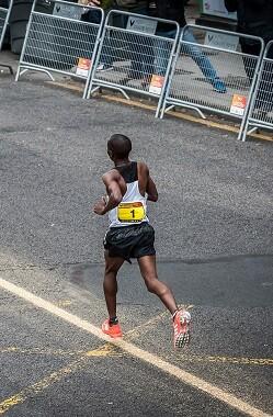 La empresa valenciana marcará el recorrido del Medio Maratón y el Maratón Valencia Trinidad Alfonso EDP las próximas cuatro ediciones.