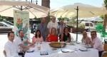 Las concejalas Mary Carmen Ribera y Patricia Puerta, la presidenta de la Asociación Gastronómica del Grao, Lola Martínez, en con la presentación de las III Jornadas Gastronómicas de Pulpo y la Sepia