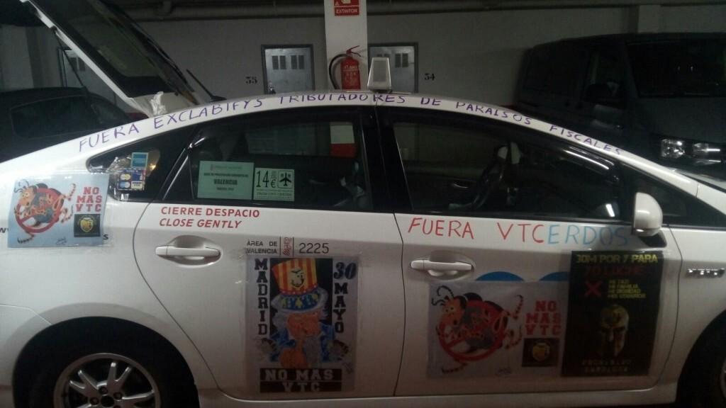 Los taxistas valencianos se unen a la huelga en Madrid (2)
