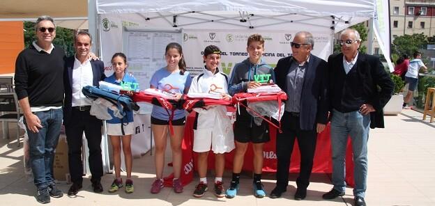 Más de 250 jugadores se han dado cita en el Sporting Club de Tenis.