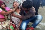 Más de veinte muertos al hundirse un muro durante una boda en la India.