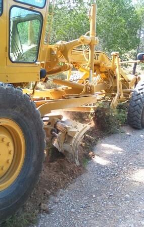 Maquinaria excavadora en Altura.