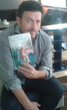Mikel Santiago presentó su nuevo libro en Valencia.