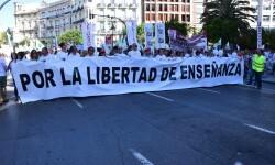 Por la libertad de enseñanza manifestación en Valencia de educación concertada con la supresión de conciertos 20170506_172849 (171)