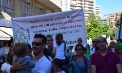 Por la libertad de enseñanza manifestación en Valencia de educación concertada con la supresión de conciertos 20170506_172849 (253)