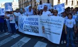 Por la libertad de enseñanza manifestación en Valencia de educación concertada con la supresión de conciertos 20170506_172849 (267)