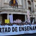 Por la libertad de enseñanza manifestación en Valencia de educación concertada con la supresión de conciertos 20170506_172849 (316)