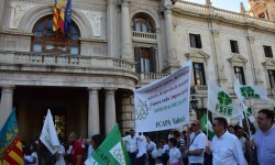 Por la libertad de enseñanza manifestación en Valencia de educación concertada con la supresión de conciertos 20170506_172849 (339)