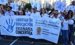 Por la libertad de enseñanza manifestación en Valencia de educación concertada con la supresión de conciertos 20170506_172849 (361)