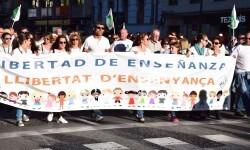 Por la libertad de enseñanza manifestación en Valencia de educación concertada con la supresión de conciertos 20170506_172849 (393)